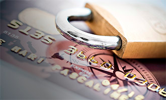 Банк арестовал зарплатную карту